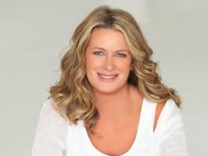 Kristin-Hannah2