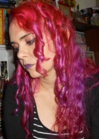 Resultado de imagem para Sobre a escritora Alessandra Tapias